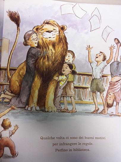 milkbook-libri-sui-leoni-un-leone-in-biblioteca-