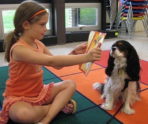 leggere-ai-bambini-cane