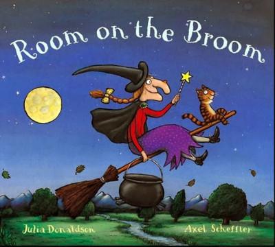 la copertina di Room on the Broom