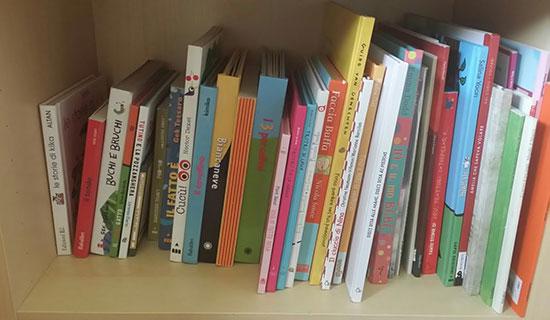 Scaffale Libri Per Bambini : Il sogno di tre autrici una libreria per l infanzia a ravenna