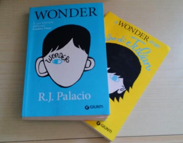copertine di Wonder e Il LIbro di Julian