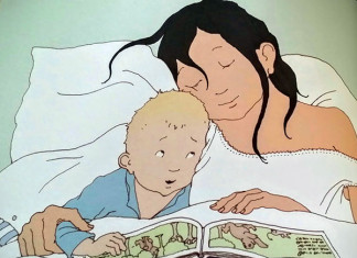mamma e figlio a letto