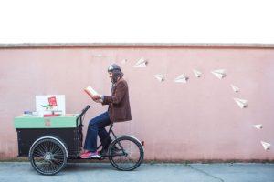 la biblioteca con le ruote di Andrea Saccon