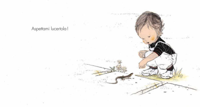 la bambina vede la lucertola
