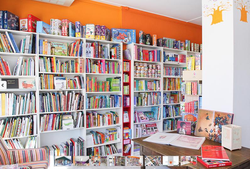 scaffali della Libreria Baobab