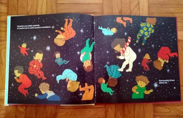 i bambini fluttuano nello spazio