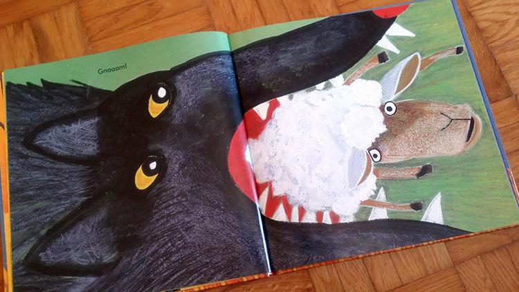 il lupo mangia la pecora