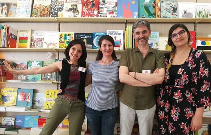 lo staff della libreria dei ragazzi Milano