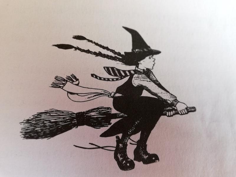 Mildred in volo sulla scopa