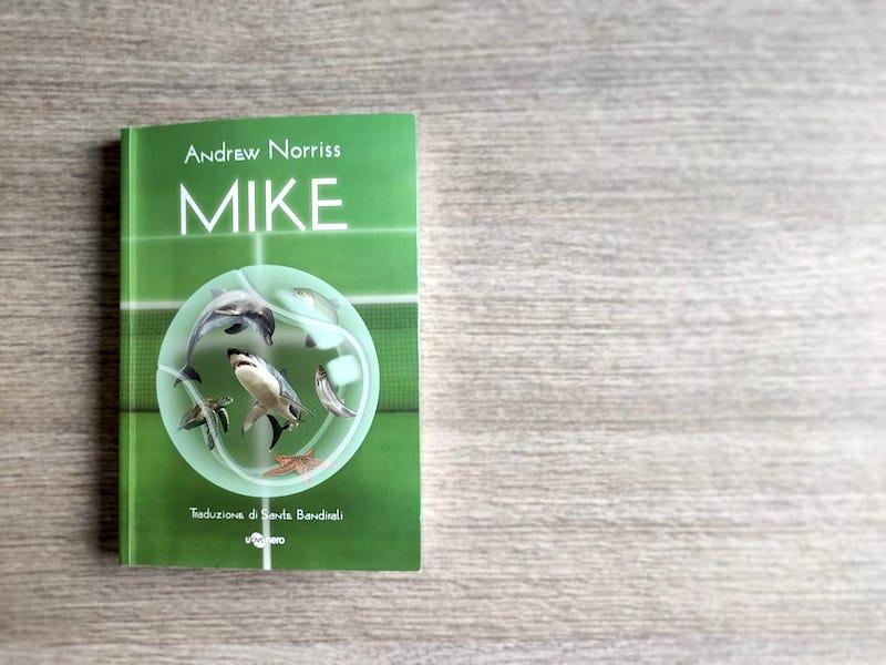 Mike, di Andrew Norris